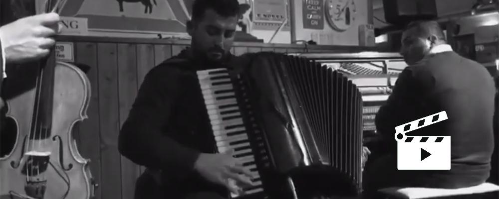 Das slideshow-Fenster anzeigen ...  Jobim's Song Wave – David & Danino Weiss Quartett :: feat. Sandro Roy – 2018 Live am Ammersee